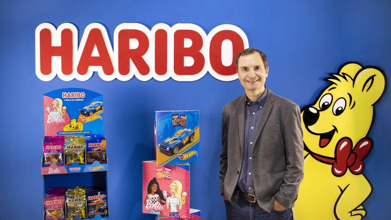 Alexandre Mattel Fundo Azul