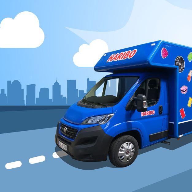 Blauer HARIBO-Truck ist unterwegs