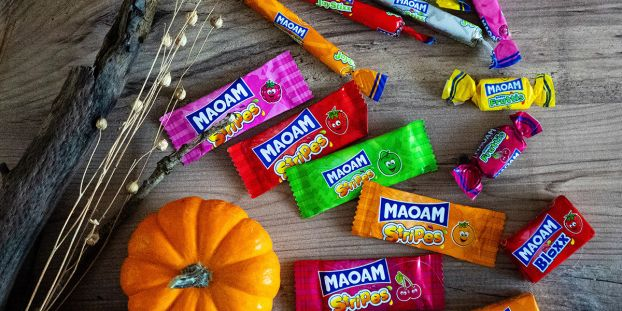 M023 Maoam Halloween Stripes FACEBOOK