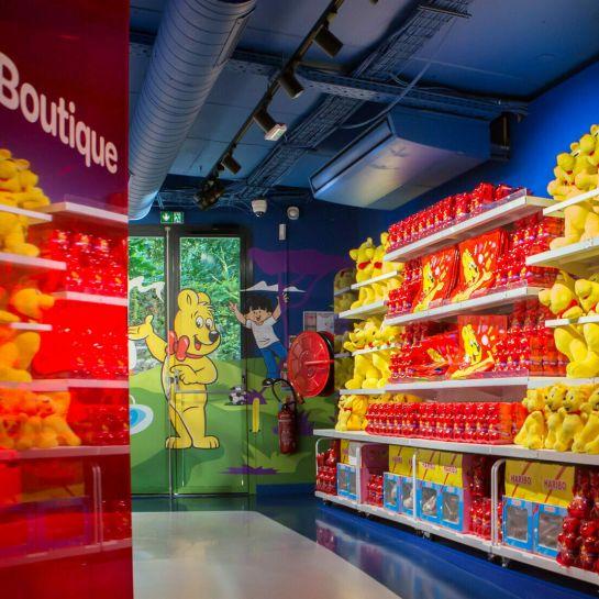 Store Interior 1 (Boutique, Teaser, 4:3)